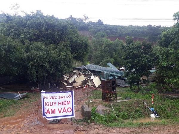 Đắk Lắk: Khẩn trương di dời hàng chục hộ dân ra khỏi vùng nguy hiểm