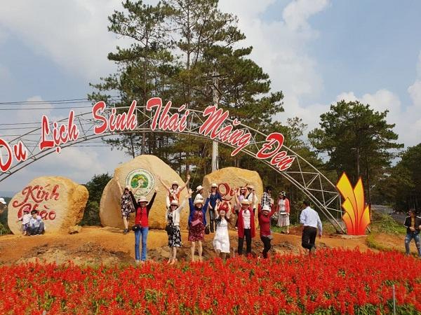 Huyện Kon Plông (tỉnh Kon Tum): Nỗ lực vì môi trường du lịch xanh – sạch – đẹp